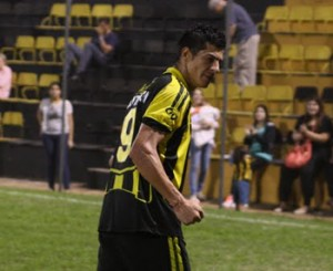 Por reclamo de dinero, Guaraní viaja Bolivia sin su goleador