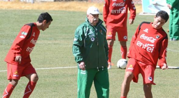 Suárez y Galarza luchan por la titularidad en la selección