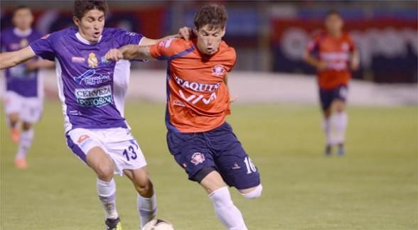 Mauricio Soria llama la atención a futbolistas