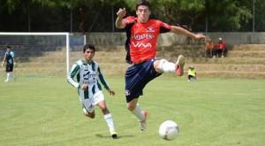 Con goles de los argentinos Eric Aparicio y Lucas DeFrancesco, Wilstermann venció por 1-2 a Tiquipaya