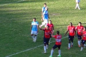 El equipo de Wilstermann ganó hoy el clásico del valle al imponerse por 3-2 al club Aurora