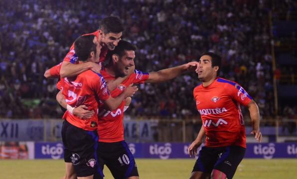 Wilstermann vence 3-1 a Bolívar