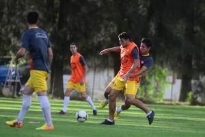 Néstor Clausen, comenzó a delinear el once titular para enfrentar a Universitario el domingo