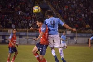 Aurora y Wilstermann se enfrentan esta noche, desde las 20:00 en el estadio Félix Capriles