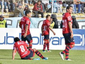 Bolívar vence a Wilstermann y acaricia el título del torneo Apertura