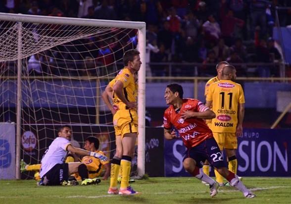 Wilster vence al Tigre en el partido de ida de la semifinal de la Copa Cine Center