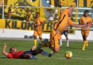 Wilstermann dirimirá el título de la Copa Cine Center frente a Blooming después de igualar (1-1) con The Strongest en el estadio Hernando Siles.
