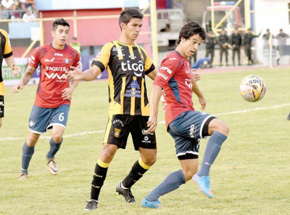 Wilster juega contra el Tigre, la estadística y el público