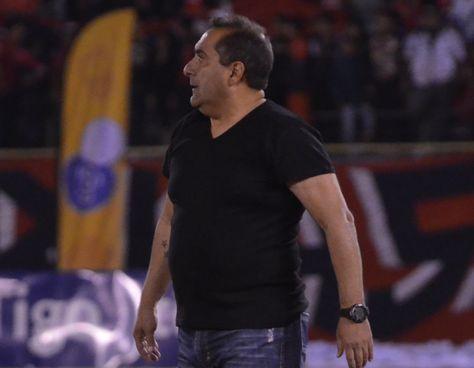 Julio Zamora se suma a la lista de candidatos para dirigir a la selección boliviana