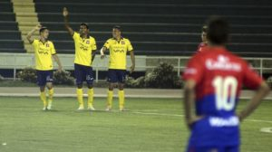 Wilstermann golea a Universitario (4-1) en la tercera fecha del Apertura