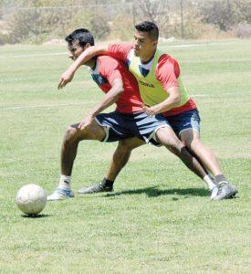 Zamora define su equipo titular