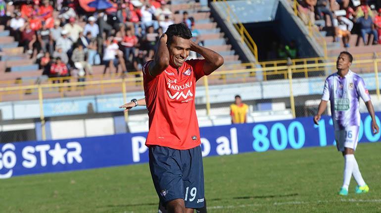 Álvarez da un susto, pero jugará ante el Tigre