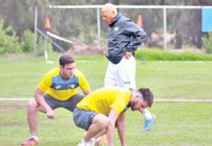 Mosquera analiza rivales de la Copa y prepara su estrategia