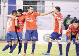 [VIDEO] Wilstermann supera a Bolívar y escala en el certamen