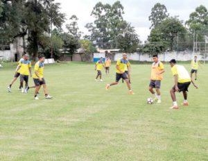 Wilster y Tucumán juegan un partido sin treguas