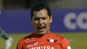 Omar Morales, un defensor con olfato goleador