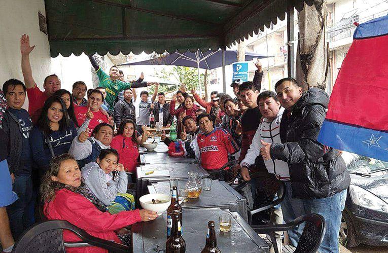 Bolivianos alistan caravana con 50 buses en Argentina