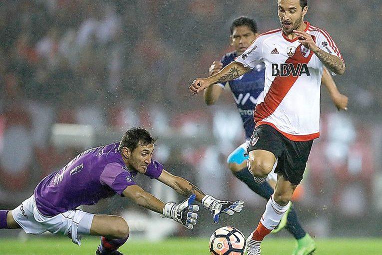 Chila critica actuación de Olivares y Rojos rechazan