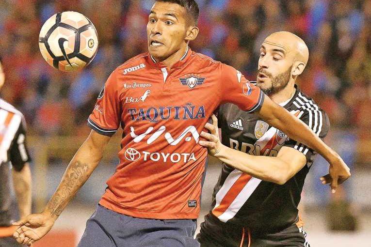 Wilster analiza jugar la Copa en Oruro o La Paz