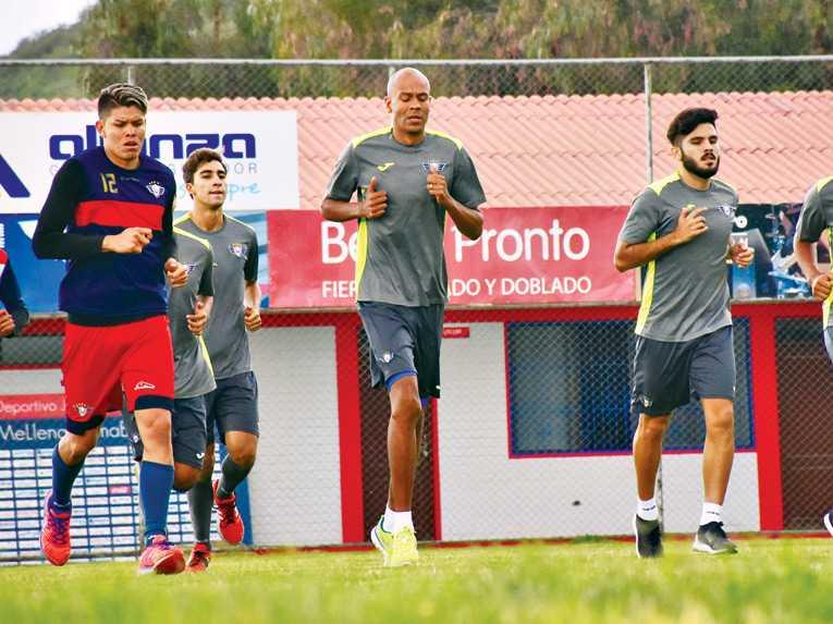 Los jugadores extranjeros iniciaron sus prácticas en el plantel Rojo de cara al torneo liguero que arrancará el 21 de enero y la Copa Libertadores el 1 de febrero.