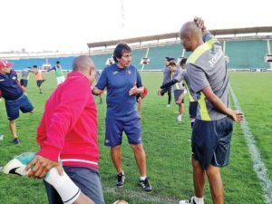 Técnico Peña alista variantes para enfrentar la Libertadores