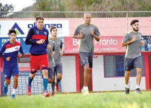 Peña mantiene base y elige entre Silva y Díaz