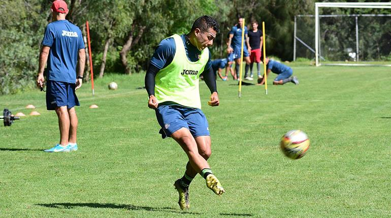 Wilstermann recibe a Destroyers en Sacaba con equipo mixto