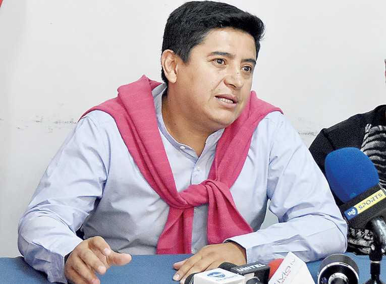 Vargas pide a la FBF hacer plan para trabajar junto al Gobierno