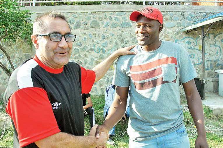 Wilster entregará Bs 24.660 al entrenador Julio Zamora
