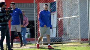 Varias ausencias obligan a Peña a rearmar su plantel y los jugadores esperan el pago del mes de Junio