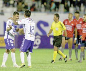 Wilster sucumbe (2-1) y se va protestando contra el árbitro