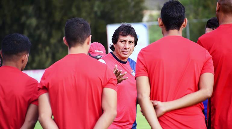 Técnico Peña se estrella contra el vicepresidente Renán Quiroga