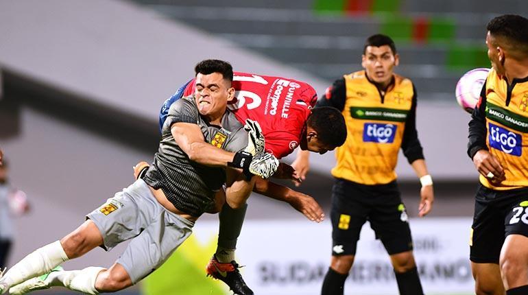 Wilster vence por 2-1 a Destroyers en el Capriles