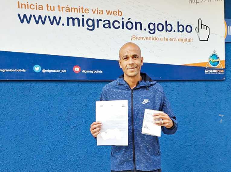 "Da Silva se naturaliza boliviano y elige la Llajta ""para siempre"""