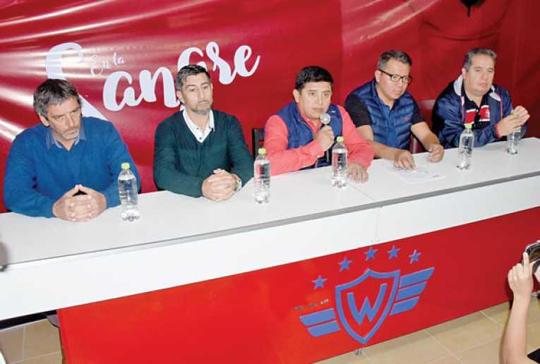 Vargas: El técnico Díaz pide reforzar en las tres líneas