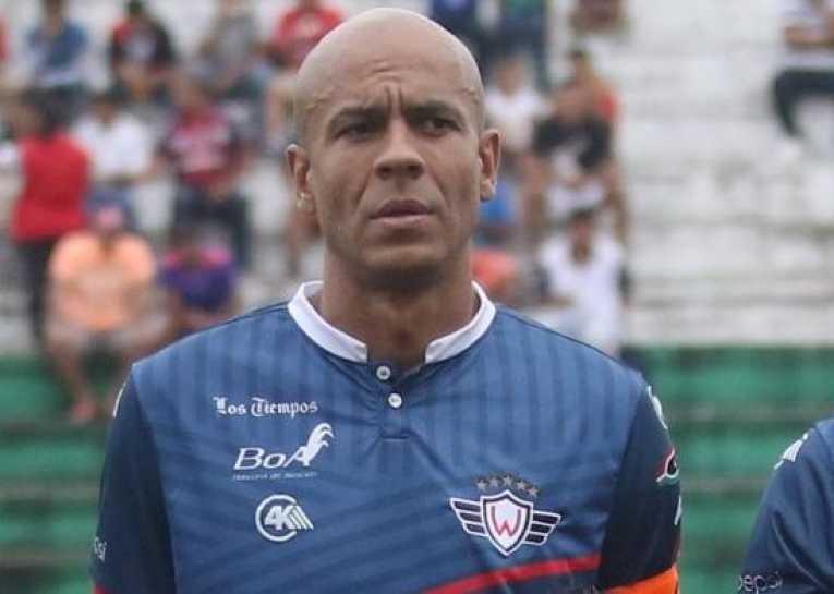 Alex Da Silva analiza retirarse del fútbol y los hinchas le piden una temporada más