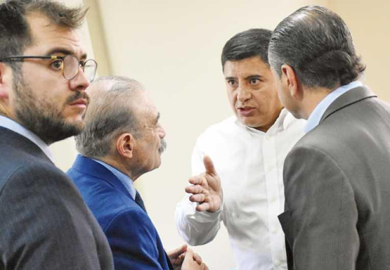 Wilster y Bolívar buscan acuerdo en caso Machado