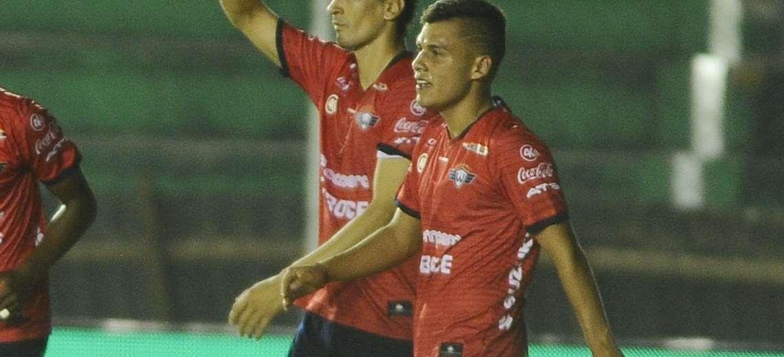 """Villarroel: """"No estamos de vacaciones, los entrenamientos continúan"""""""