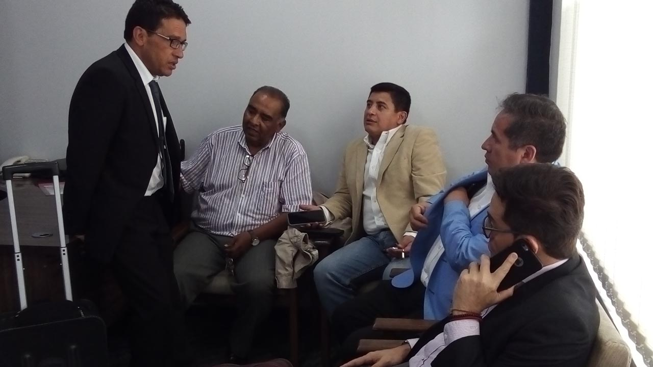 Wilster analiza comercializar partidos amistosos con Bolívar