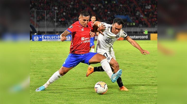 Bolívar y Wilstermann, a un mes del debut y con corredor listo para la Copa Libertadores