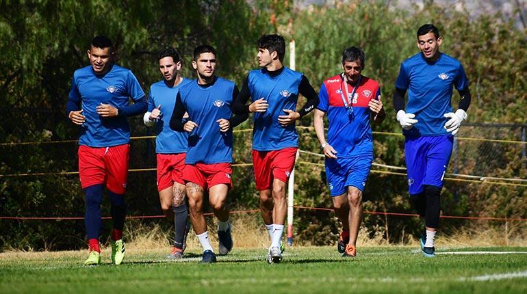 Sólo 5 de los 14 clubes nacionales ya volvieron a los entrenamientos