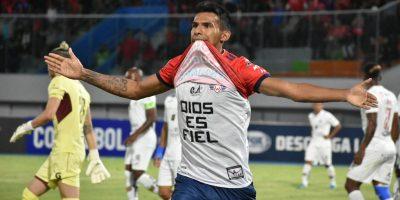 Álvarez, el solitario atacante ante el Atlético Paranaense
