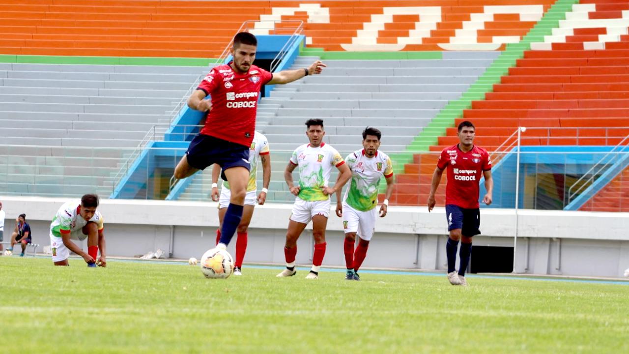 Díaz ensaya un sistema de juego sin atacante de área