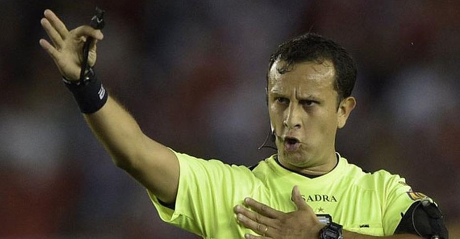 Conozca al argentino Herrera, el polémico árbitro que dirigirá Wilster-Colo Colo