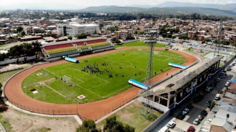 Municipio de Quillacolo inspecciona estadio para garantizar protocolos de bioseguridad