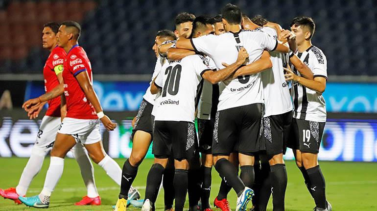 Wilstermann aún sueña con los cuartos de final pese a la derrota