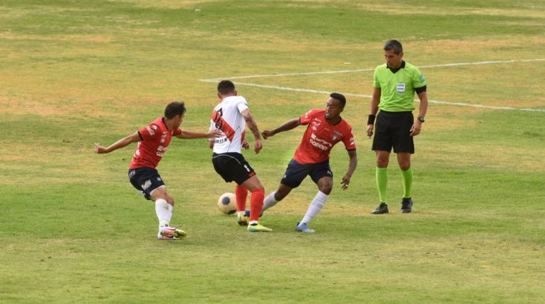 Wilstermann vence 2 - 1 a Nacional Potosí