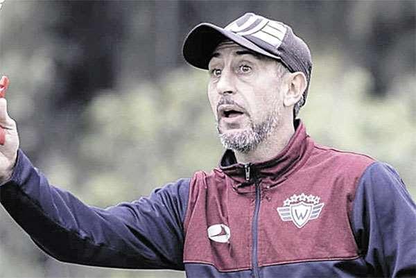 Wilstermann y Díaz aún no llegan a un acuerdo La dirigencia aviadora ya negoció con los colaboradores del entrenador