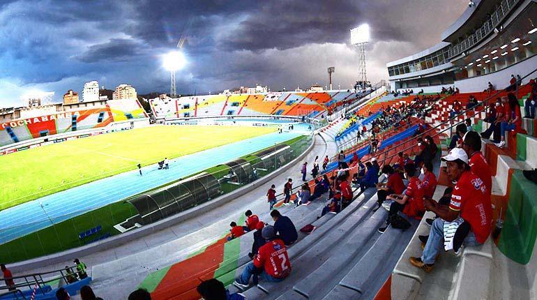 Cierran el estadio Félix Capriles al público; Wilstermann no se resigna