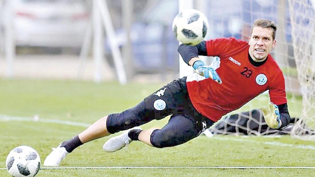 Vargas: Fichar a Rigamonti es imperioso para la Copa